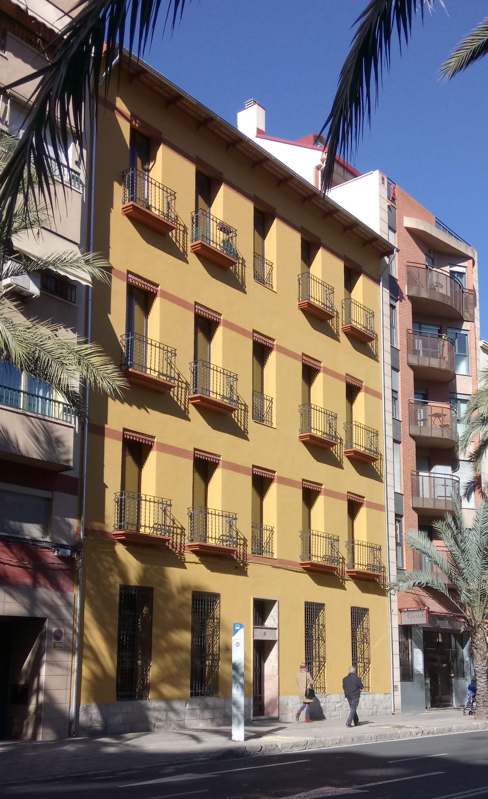 Rehabilitación de edificio para 8 viviendas (Alicante)
